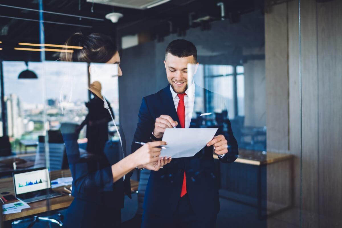 Как создать прочную основу для отношений с начальником и коллегами